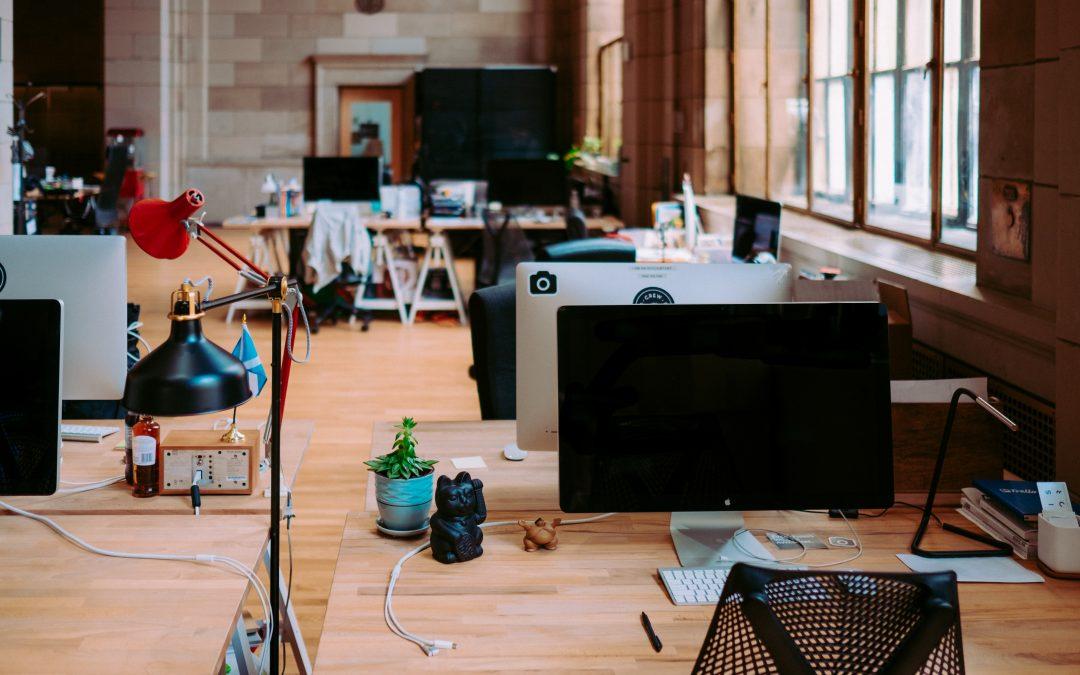 ¿Cómo hacer una correcta limpieza de oficinas?